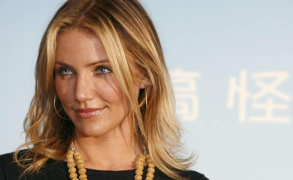 Блондинкой зеленых известные актрисы в порножурналах зрелые старые