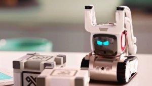 Роботы научились предсказывать движения людей