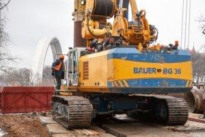 Началось строительство туристического моста на Владимирской горке