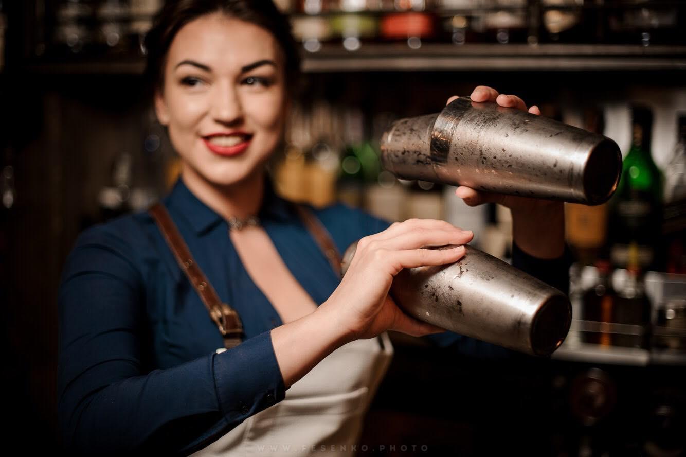 Работа в баре для девушек пилипенко юлия