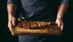 М'ясо на грилі та 12 видів сидру. На Подолі відкрилася цілодобова сидерія Urban Grill