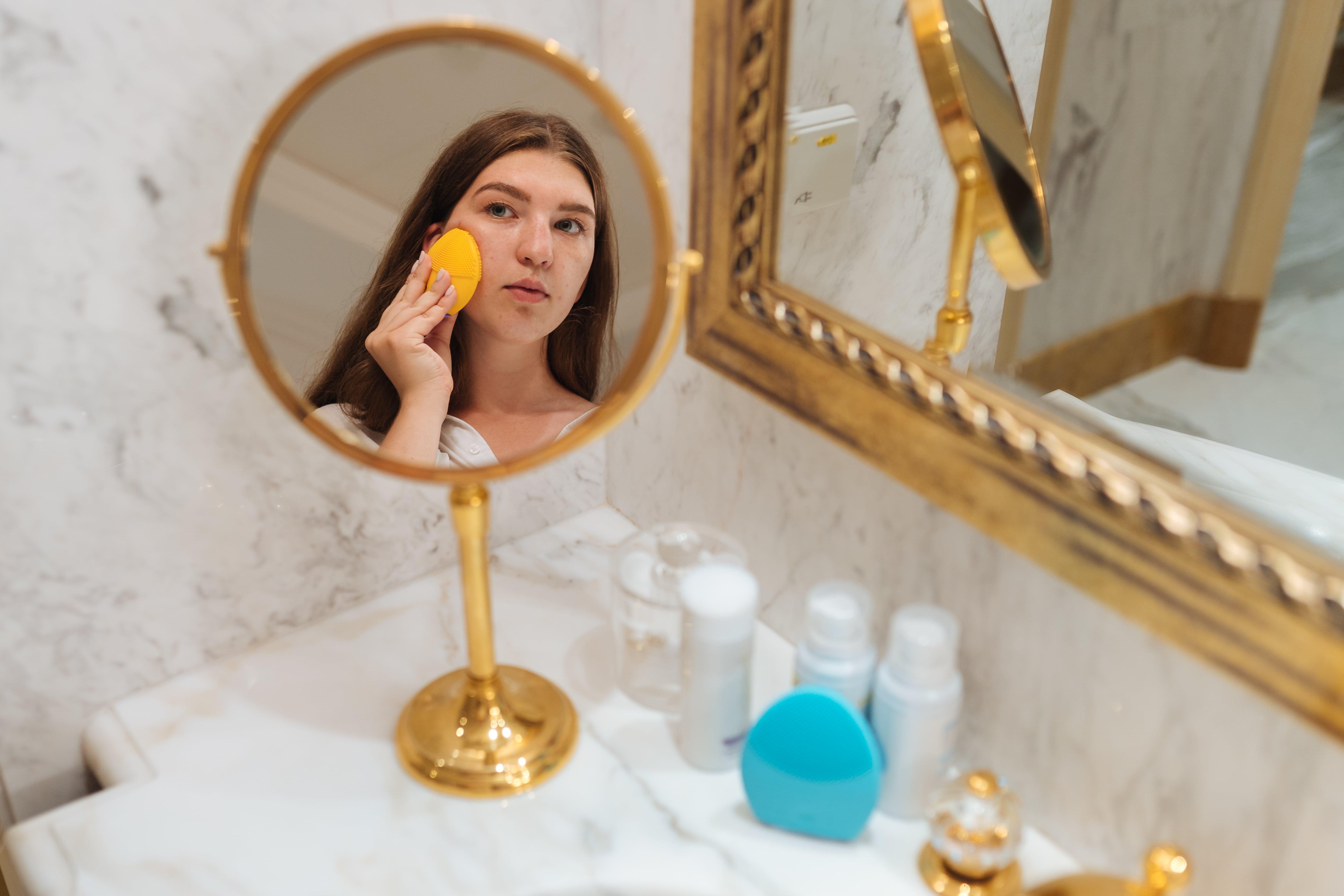 щетка для очищения лица LUNA mini 2